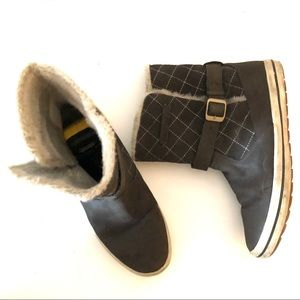 Helly Hansen Taupe Quilted Alexandra Low Snow Boot